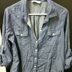 Denim 3/4 sleeve shirt Old navy denim light weight shirt Old Navy Tops Button Down Shirts