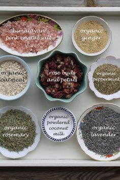 The best DIY projects & DIY ideas and tutorials: sewing, paper craft, DIY. DIY Skin Care Recipes : Tub tea bath soak - CUSTOM: large size tea bag - made to order - filled with organic herbs and flowers, essential oils, and salts Spiritual Bath, Diy Masque, Bath Tea, Milk Bath, Bath Recipes, Organic Herbs, Diy Spa, Diy Skin Care, Homemade Beauty