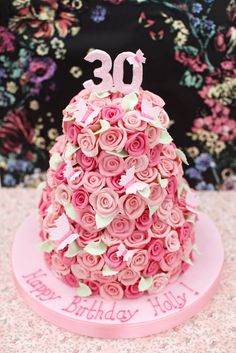 We were delighted to create a special edition design based on our Multi Chocolate rose cake for the gorgeous Holly Willoughby on her 30th B...