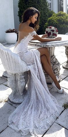 What an amazing wedding dress! - What an amazing wedding dress! What an amazing wedding dress! Popular Wedding Dresses, Sexy Wedding Dresses, Princess Wedding Dresses, Bridal Dresses, Wedding Gowns, Dresses Dresses, Lace Wedding, Backless Wedding, Fashion Dresses