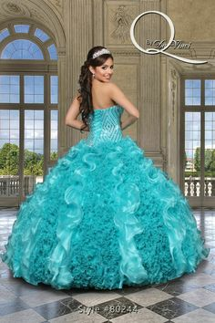 Deslumbrante y hermoso vestido, Q by Davinci style 80244 Elegant Organza, gown in Tiffany with a beautifully beaded bodice and beautiful multi-colored ruffles! #quinceanera #dresses #sweet15 #partydress #quinceañera