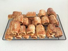 Healthy Homemade Sausage Rolls with hidden veggies Thermomix Sausage Rolls, Homemade Sausage Rolls, Hidden Vegetables, Baked Vegetables, Healthy Meals For Kids, Healthy Eats, Healthy Snacks, Savory Snacks, Beef Dishes