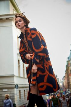 Stylists, Vogue, Dresses With Sleeves, Portrait, Long Sleeve, Model, Hair, Style, Fashion