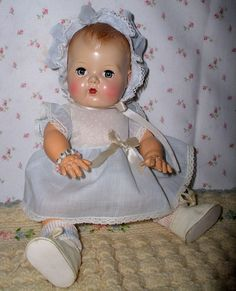 "MINT 13.5"" Pre-Patent TINY TEARS doll -- 1st ISSUE 1950 w/ Original Layette Old Dolls, Antique Dolls, Vintage Dolls, Doll Toys, Baby Dolls, Baby Boomer Era, Tiny Tears Doll, Doll Display, Beautiful Dolls"