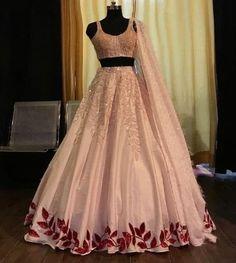 Indian Fashion Dresses, Indian Gowns Dresses, Dress Indian Style, Indian Designer Outfits, Indian Wedding Gowns, Indian Bridal Outfits, Indian Reception Dress, Wedding Lehnga, Bollywood