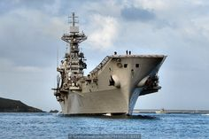El portaviones «Príncipe de Asturias» arriba a Ferrol y pone fin a su vida operativa, vaya fotaca.