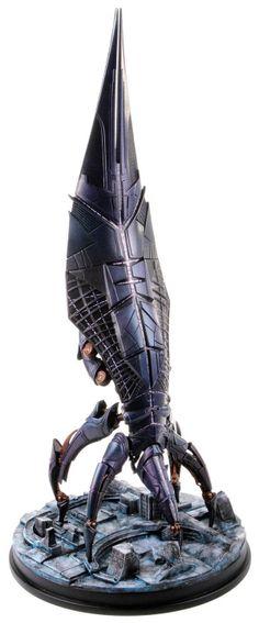Nave Sovereign 47 cm. Mass effect Espectacular esta réplica de la nave llamada Sovereign Reaper de 47 cm de altura aprox., perteneciente al exitoso videojuego Mass Effect.