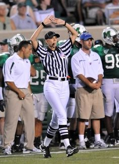 2007: Sarah Thomas was the first woman to referee a major college football game.