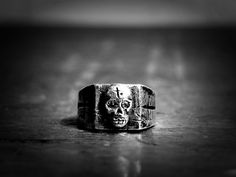 Goth Skull Ring by BlackCoffins