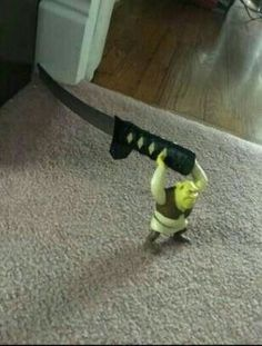 Mess with Shrek, you get hurt as heck Stupid Funny Memes, Haha Funny, Hilarious, Reaction Pictures, Funny Pictures, Memes Lindos, Disney T-shirts, Mood Pics, Quality Memes