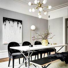 INSPIRAÇÃO preto,cinza,branco...é um clássico! Difícil de errar mas com o lustre moderno, boiserie na parede e um quadro abstrato o espaço ficou incrível! Para saber mais visite nosso site 👆  #tatuape #decoration #home #reforma #interior #luxo #analiafranco #decoração  #decor #followme #photooftheday #like #instaday #instadaily #inspiracao  #instagood #apartmenttherapy  #instadecor #chic #lifestyle #archilovers #tendencias #ideias #casa #ideiasdearquiteta #ateoultimodetalhe #assimeugosto…