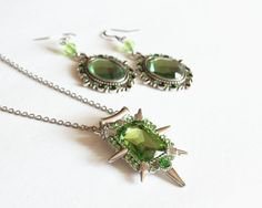 Zelena Wicked Witch Necklace and Earrings Set (OUAT) by CissyPixie on Etsy https://www.etsy.com/uk/listing/238019076/zelena-wicked-witch-necklace-and