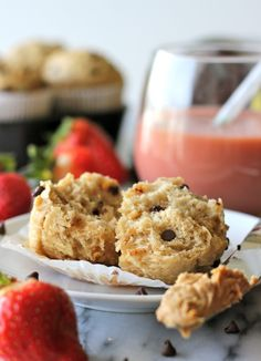 Banana Peanut Butter Chocolate Chip Muffins - Damn Delicious Sub sprouted whole wheat flour Mini Desserts, Peanut Butter Banana, Chocolate Peanut Butter, Chocolate Chip Muffins, Chocolate Chips, Chocolate Cookies, Blueberry Banana Bread, Cupcakes, Breakfast Recipes
