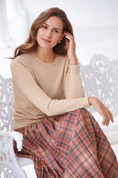 A stunning skirt made in a superb check wool fabric woven in a British heritage mill. This fully lined style has all-round pleats sewn down to the hip, side-back waistband elastication and a side zip fastening. Classy Work Outfits, Classic Outfits, Pretty Outfits, Beautiful Outfits, Modest Wear, Modest Outfits, Modest Fashion, Fashion Outfits, Pleated Skirts