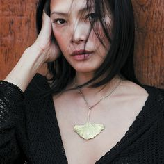 gold ginkgo necklace ~~ want