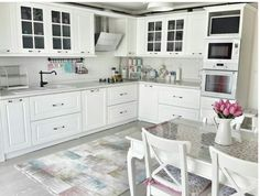 navigate between photos of real home cooking. Kitchen plans for the kitchen decoration, kitchen cabinet styles and colors, layout, ceramics, explore visual for choice between counters and stalls. Kitchen Cabinets Models, Dark Kitchen Cabinets, Kitchen Models, Kitchen Interior, New Kitchen, Kitchen Decor, Kitchen Art, Cuisines Design, Kitchenette