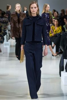 http://www.style.com/slideshows/fashion-shows/fall-2015-ready-to-wear/nina-ricci/collection/2