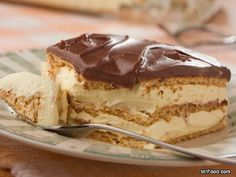 Chocolate Eclair Cake | mrfood.com    Who would dream that it could take just 5 easy ingredients and absolutely no baking to make this luscious homemade Chocolate Eclair Cake? If you don't try this easy dessert, you're truly missing out.      Read more at http://www.mrfood.com/Cakes/Chocolate-Eclair-Cake-by-Mr-Food/ct/1#uWEK0LQUcMxUellh.99