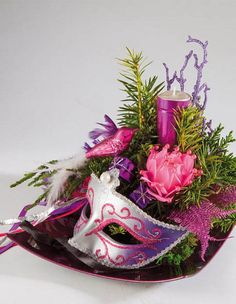 Masquerade Mask Table Decorations Amusing Mardi Gras Centerpiece  Mardi Gras  Pinterest  Mardi Gras And Design Inspiration