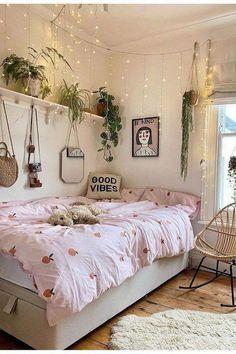 Bohemian Bedroom Decor Bohemian Style Ideas For Bedroom Decor « Home Decor - Bedroom ideas Cute Bedroom Ideas, Cute Room Decor, Bohemian Bedroom Decor, Boho Room, Bedroom Inspo, Cosy Bedroom, Bohemian Interior, Teen Bedroom, Luxury Interior