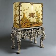 is your home for the most beautiful antiques on earth: antique furniture, fine jewelry, fashion and art from the world's best dealers. Japanese Furniture, Chinese Furniture, Oriental Furniture, Antique Furniture, Furniture Decor, Antique Dressers, Furniture Design, Asian Interior Design, European Style Homes