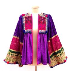 🌟 Hendrix Dream Jacket 🌟velvet, beaded and embroidered (all pieces are unique and individually hand made with magic) sizing: chest / length / arm. Pakistani Fashion Party Wear, Abaya Fashion, Ethnic Fashion, Pakistani Dresses, Boho Fashion, Fashion Dresses, Muslim Fashion, Indian Designer Outfits, Designer Dresses