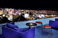Las Vegas Hotel Tips. Sometimes, it is necessary to stay in a Las Vegas hotel. People often are disappointed with hotel rooms because they leave out the research. Las Vegas Bars, Las Vegas Trip, Las Vegas Nevada, Las Vegas 2017, Vegas Fun, Vegas Vacation, Italy Vacation, Vacation Places, Honeymoon Destinations