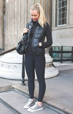 Lindsay's london look fashion All Black Converse Outfit, Tennis Shoes Outfit, Outfits With Converse, Womens Converse Outfit, Dress Shoes, Leggins Casual, Outfits Leggins, Leggings Fashion, Mode Des Leggings