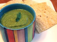 i've never made my own salsa verde, but i love it Avacado Salsa, Guacamole Dip, Avocado, Appetizer Recipes, Appetizers, Salsa Verde Recipe, Hispanic Kitchen, Sauces, Delish