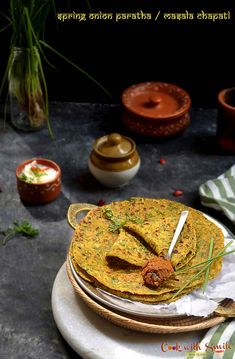 Spring onion paratha recipe , how to do spring onion paratha with step by step pics , easy masala roti recipe, easy masala chapathi Chapati Recipes, Flatbread Recipes, Nutritious Breakfast, Breakfast Recipes, Roti Recipe, Indian Breakfast, Onion Recipes, Wonderful Recipe, Food Print