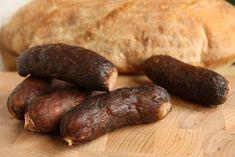 Babiččiny domácí klobásy | Recepty | PEČENĚ-VAŘENĚ Charcuterie, Sausage, Homemade, Meat, Food, Syrup, Home Made, Sausages, Essen
