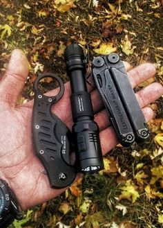 Nitecore EA21 360 Lumens 182 Yards 2xAA Cree XP-G2 EDC LED Flashlight - Everyday Carry Gear