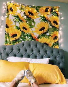 56 Incredible Yellow Aesthetic Room Decor Ideas - Based on what mood you need to create in your bathroom, you can opt for colors related to it. Whether there are one or two steps in the restroom, then. by Joey Room Decor For Teen Girls, Diy Room Decor For College, Aesthetic Room Decor, Retro Home Decor, Dream Rooms, Living Room Inspiration, My New Room, House Rooms, Living Rooms