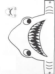 Shark fin pattern. Use the printable outline for crafts