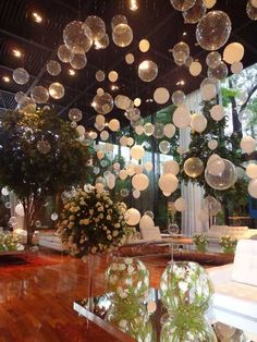 26 Decorations with balloons that will fascinate you; They are the perfect touch of fun! – My Wedding Dream Balloon Decorations, Birthday Decorations, Wedding Decorations, Table Decorations, Wedding Themes, Party Themes, Gatsby Party, Wedding Balloons, Deco Table
