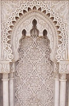 Mausoleum of Mohammed V An arabesque at the Mausoleum of Mohammed V in Morocco photographed by Reena Azim Negi.An arabesque at the Mausoleum of Mohammed V in Morocco photographed by Reena Azim Negi. Architecture Design, Islamic Architecture, Beautiful Architecture, Morrocan Architecture, Online Architecture, Architecture Sketches, Architecture Background, Architecture Wallpaper, Moroccan Pattern