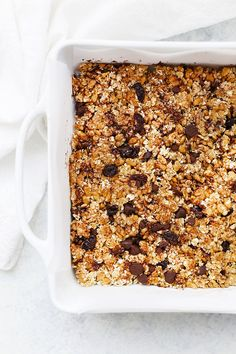 The PERFECT Soft Granola Bars (Gluten Free + Vegan Friendly) - These homemade soft granola bars are loaded with goodies and naturally sweetened. A perfect healthy - Granola Bar Recipe Easy, No Bake Granola Bars, Healthy Granola Bars, Chewy Granola Bars, Homemade Granola Bars, Healthy Bars, Healthy Snacks, Gluten Free Granola, Vegan Gluten Free