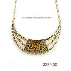 Set de collar y aretes en base dorada con cristales y detalle atigrado estilo 30256