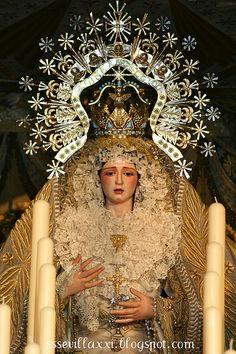 Nuestra Señora de los Angeles. Jueves Santo 2009 by jossoriom, via Flickr