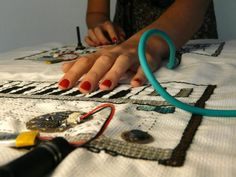 Afroditi Psarra has used the versatile Arduino Lilypad or to power various Maker projects, including those involving embroidery, soft circuits and DIY electronics. Smart Textiles, E Textiles, Arduino Programming, High Tech Gadgets, Wearable Technology, Electronics Gadgets, Embroidery, Sewing, Projects