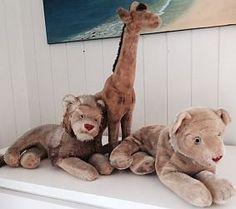 Neue Leserfragen zu Spielzeug für Sammler sind nun online unter: http://sammler.com/spielzeug/#Leserbriefe