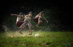 Sepak bola - Jumps by I Gede Lila Kantiana, via Village Photography, Soccer Photography, Kids Photography Boys, Aesthetic Photography Grunge, Artistic Photography, Village Kids, Childhood Memories 90s, Beauty Of Boys, Soccer Inspiration