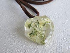 Pressed Flower Resin Heart Pendant. Gypsophila. by Bratatouche on Etsy
