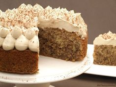 Tarta de café y nueces Sweet Recipes, Cake Recipes, Dessert Recipes, Food Cakes, Cupcake Cakes, Cupcakes, Bolo Cake, Bunt Cakes, Cake Board