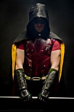 Incredible Arkham Robin cosplay. - 13 Robin Cosplays