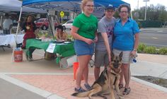 Coco making new friends at the Coral Springs Farmers Market in Coral Springs FL.