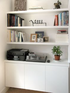 Small Living Room Storage Ideas Alcove Storage Idea Plain White I Like the Bottom Handless Alcove Ideas Living Room, Living Room Shelves, Home Living Room, Living Room Designs, Living Room Decor, Alcove Decor, Room Ideas, Bedroom Alcove, Built In Cupboards Living Room