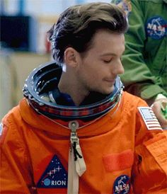 You know what I want? A one direction nasa Fanfiction that would be flawless