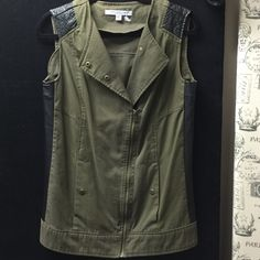 VEST DRESS BY MARC W/BRASS DETAILS & QUILT LEATHER ARMY GREEN VEST STYLE JACKET DRESS SIZE SAYS SMALL BUT FITS SMALL-MEDIUM Andrew Marc Tops