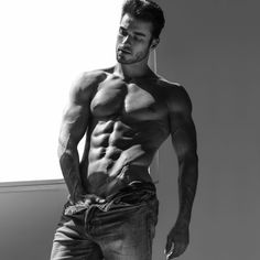 Amadeo Leandro: Mainly Seduction. Wong Sim Photos